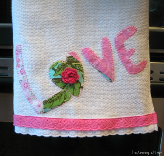 Valentine's Day Appliqué via thesewingloftblog.com