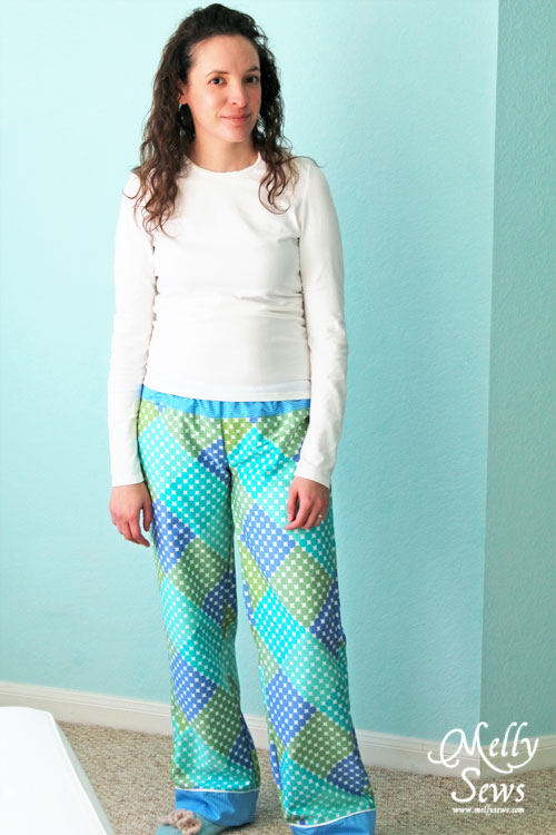 pajama pants pattern via thesewingloftblog.com