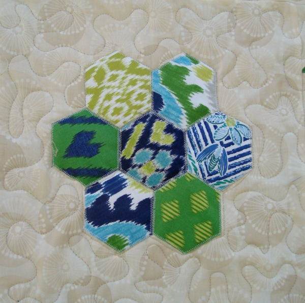 applique hexagon quilt block