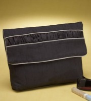 Easy clutch purse perfect for any occasion.