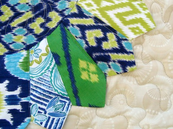 Learn how to make a dresden plate. A basic quilt block. The Sewing Loft