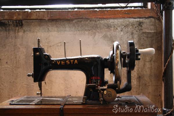 Vintage Sewing Machine Mania The Sewing Loft Best Sewing Machines Las Vegas