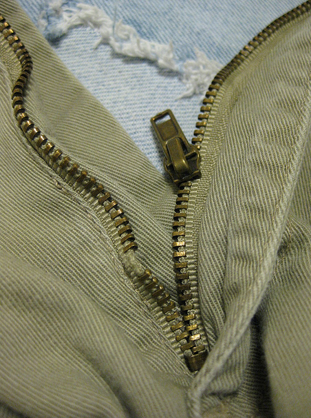 how to fix zipper that keeps separating