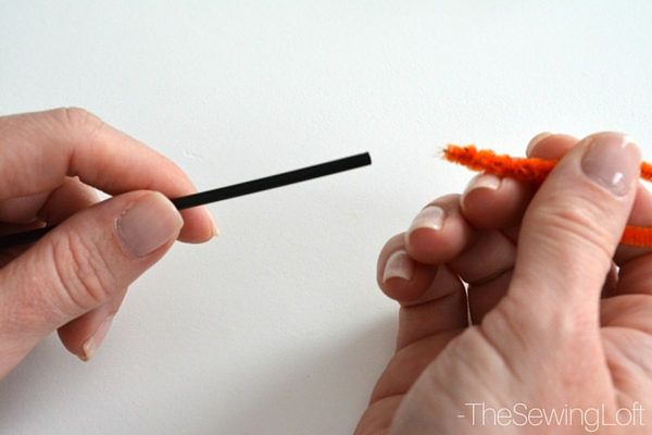 You can get every last fiber & dust bunny hiding inside your sewing machine with this pipe cleaner brush. Learn how to make it on The Sewing Loft