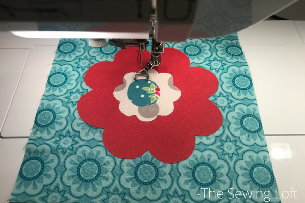 It's time for the next block in the Friendship Quilt Along and I'm sharing the Gracious quilt block. Come sew with us. Pattern by Amanda Herring.